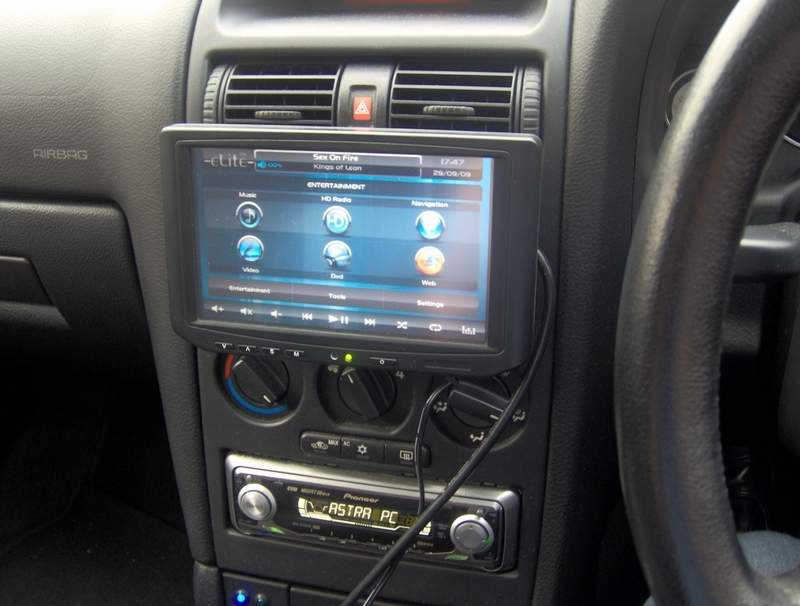 Dave 39 s astra g with car pc for Astra h tablet install