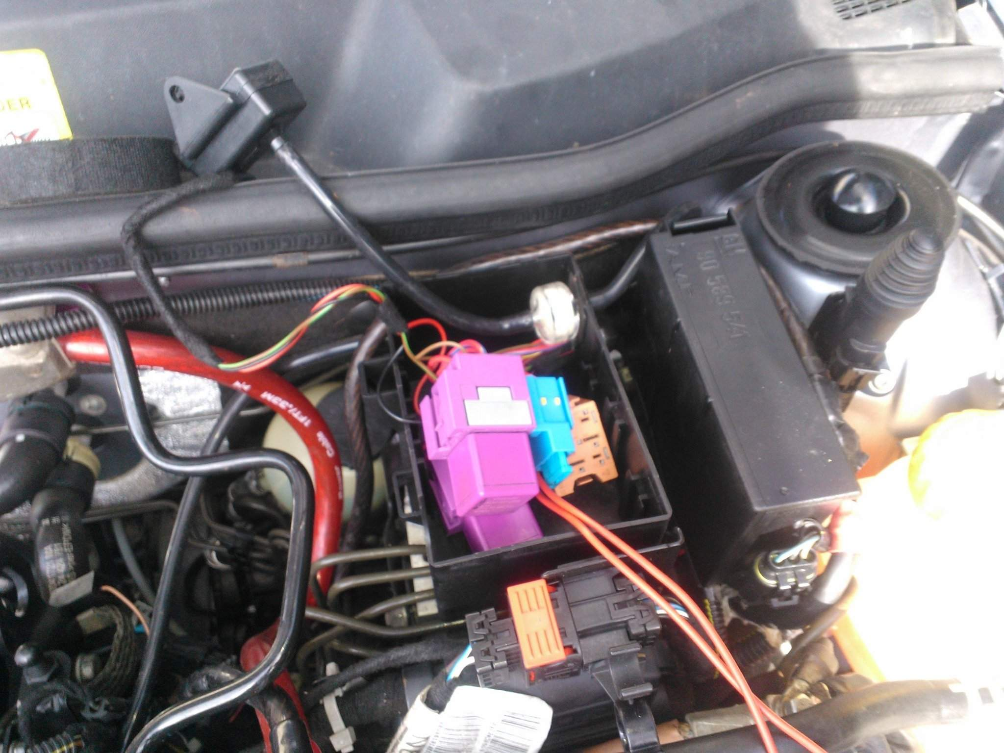 gm relay and fuse holder from a 1.7td astra pins removed ...